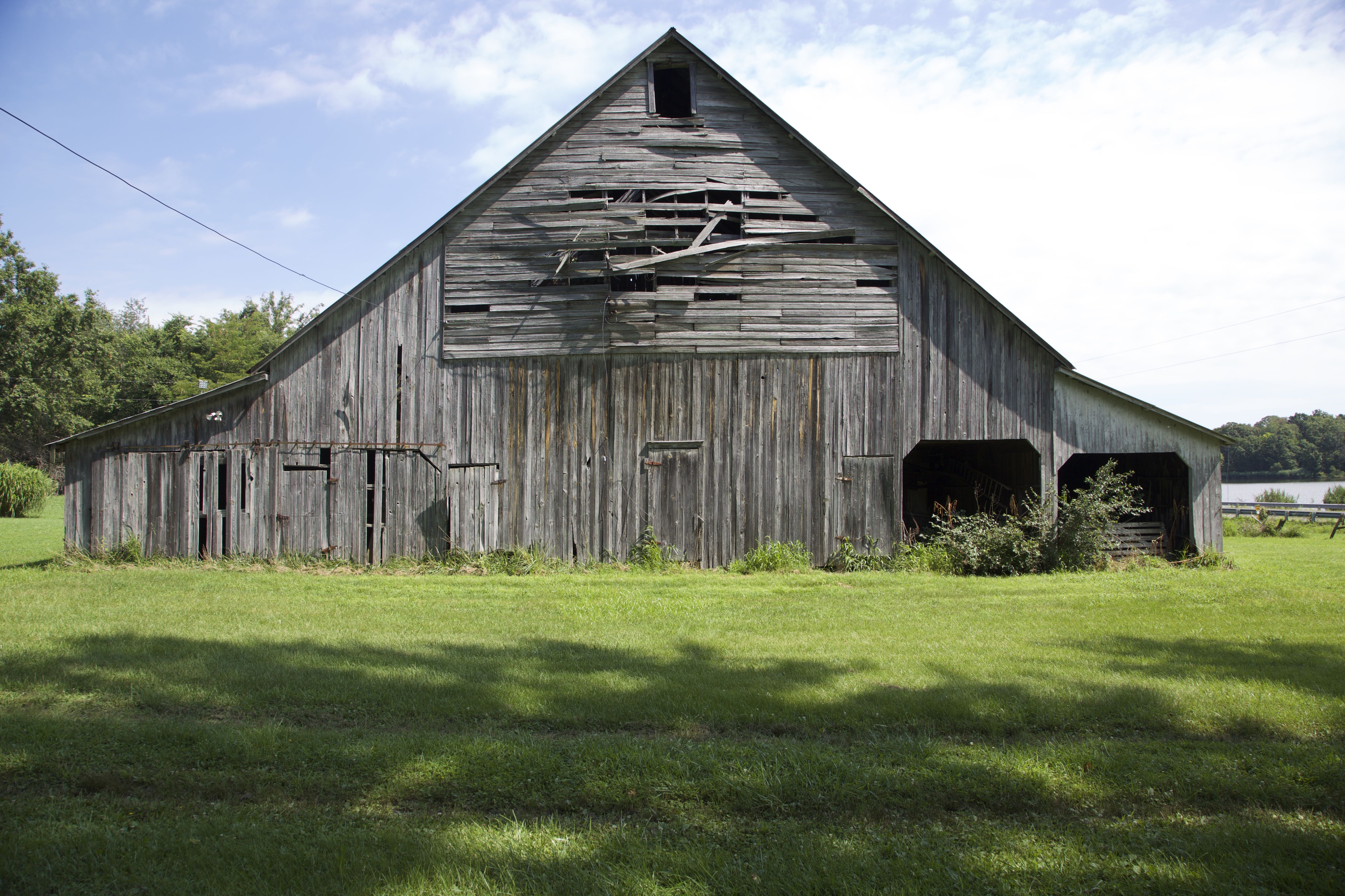 Barn on West of Jackie's Branch in Sessor Illinois
